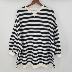 Oversize Striped Quarter Sleeves Pullover